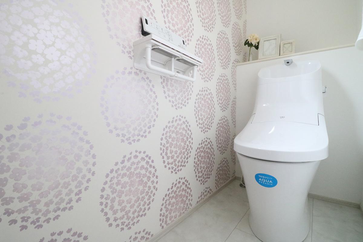 試してみたい トイレのアクセントクロス 前編 いえ日和ブログ 千葉の分譲住宅 新築一戸建てなら住まいのフレスコ